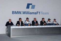 Frank Williams, Dr Mario Theissen, Mark Webber, Patrick Head, Sam Michael, Antonio Pizzonia ve Nick