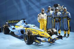 Heikki Kovalainen, Franck Montagny, Fernando Alonso und Giancarlo Fisichella mit dem Renault R25