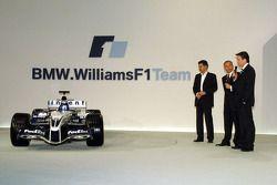 Dr Mario Theissen ve Sam Michael present yeni Williams BMW FW27