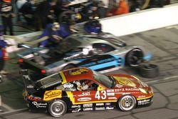 #43 Team Sahlen Porsche GT3 Cup: Wes Allen, Brad Blum, Eric Lux, Victor Gonzalez Jr., Ron Zitza leaves the pit