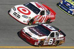 Casey Mears et Dale Earnhardt Jr.