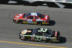 Dale Earnhardt Jr. y Tony Stewart