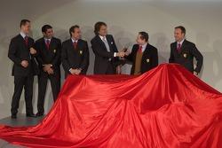 Michael Schumacher, Marc Gene, Luca Badoer, Luca di Montezemelo, Jean Todt ve Rubens Barrichello pre