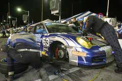 Pitstop for #63 Auto Gallery/ TRG Porsche GT3 Cup: Dave Master, Marc Sluszny, Derek Clark, Pat Flanagan