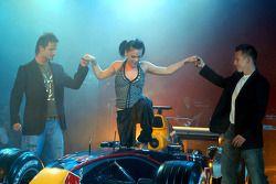Вечеринка по поводу презентации Red Bull Racing: Витантонио Льюцци, Кристиан Клин, поп-певица Pink