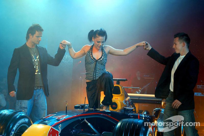 Red Bull Racing: Vitantonio Liuzzi y Christian Klien con Pink en el Reb Bull RB1