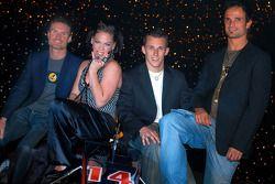 Red Bull Racing: David Coulthard, Pink, Christian Klien y Vitantonio Liuzzi