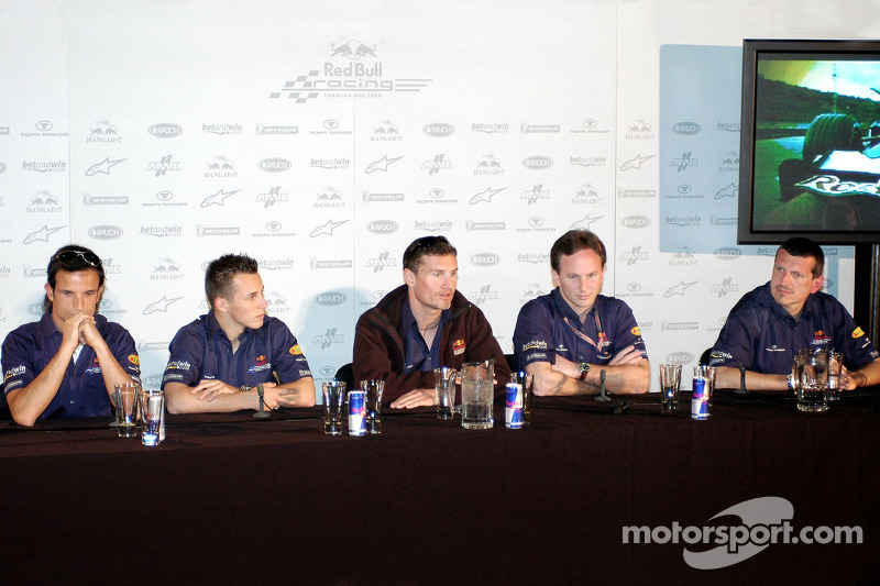 Red Bull Racing: Vitantonio Liuzzi, Christian Klien, David Coulthard, Christian Horner y Guenther St