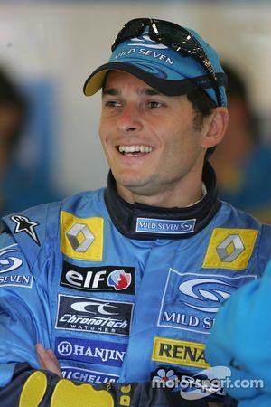 Giancarlo Fisichella celebra la provisional pole position