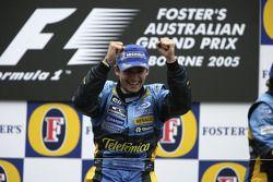 Podio: ganador de la carrera Giancarlo Fisichella