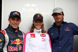 Christian Klien y Vitantonio Liuzzi con la medallista de oro del triatlón olímpico Kate Allen