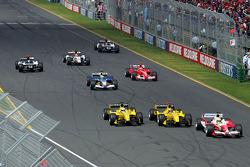Start: Ralf Schumacher leads Tiago Monteiro and Narain Karthikeyan