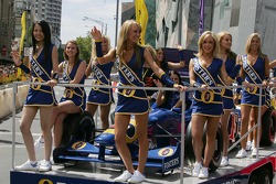 Street parade in Melbourne: Fosters girls