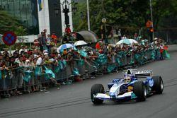 Sauber Petronas demo run in Kuala Lumpur: Jacques Villeneuve