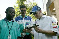 Visit at Universiti Teknologi Petronas: Jacques Villeneuve