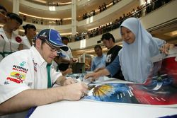 Visit of KLCC: Jacques Villeneuve