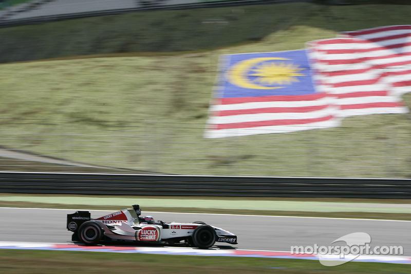 2005: Энтони Дэвидсон вместо Такумы Сато (BAR, Гран При Малайзии)