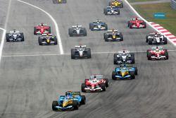 Fernando Alonso devant Jarno Trulli