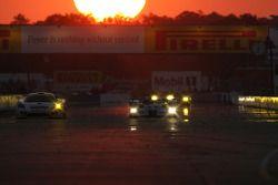 #83 Graham Nash Motorsport Saleen S7R: Rick Sutherland, Nigel Smith, Rick Cole, #16 Dyson Racing Tea