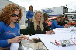 The Hazardous Femmes Fatales sign autographs
