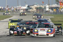 Restart action: #27 Kruse Motorsport Courage C-65 Judd: Phil Bennett, Ian Mitchell, Harold Primat, #