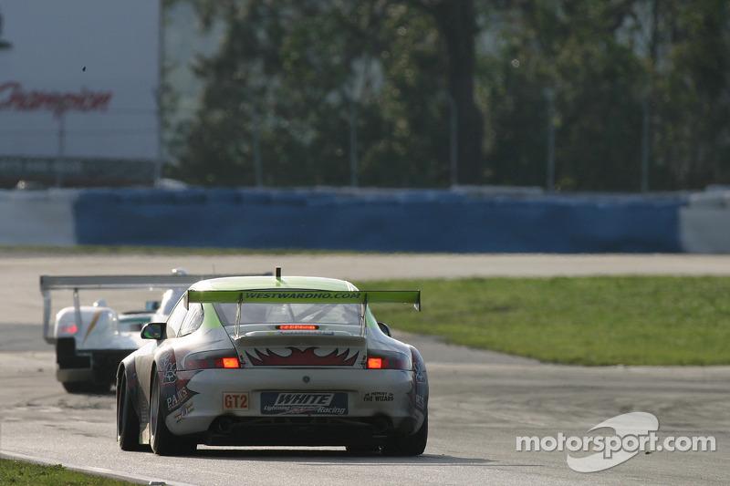 Petersen Motorsports/White Lightning Racing Porsche 911 GT3 RSR : Lucas Luhr, Patrick Long, Jorg Bergmeister