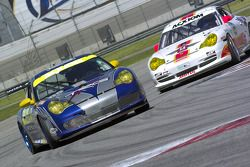 #65 Auto Gallery/ TRG Porsche GT3 Cup: Marc Bunting, Andy Lally, #05 Sigalsport Porsche GT3 Cup: Yehuda Rakovchik, Dennis Puddester