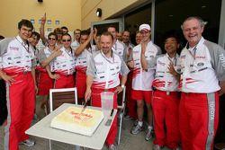 Mike Gascoyne celebrates birthday with Toyota team members