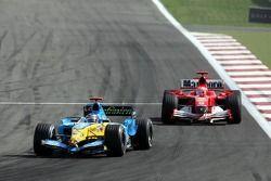 Fernando Alonso devance Michael Schumacher