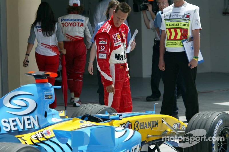 Но в 2005-м изменения в регламенте перевернули ситуацию с ног на голову, и титулованный немец оказался не в силах бороться с восходящей звездой Ф1 – Фернандо Алонсо из команды Renault.