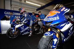 Le stand du team Gauloises Yamaha