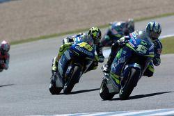 Sete Gibernau leads Valentino Rossi