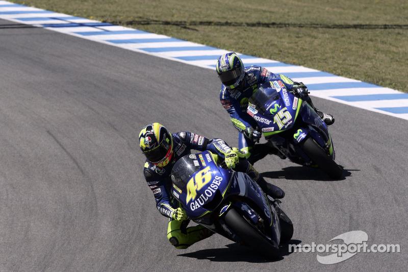 Valentino Rossi, Yamaha; Sete Gibernau, Honda