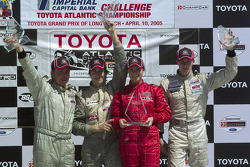 Podium: race winner Katherine Legge with Antoine Bessette, Charles Zwolsman and C2 winner Justin Sofio