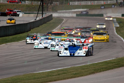 Start: #16 Dyson Racing Team Lola EX257 AER: James Weaver, Butch Leitzinger takes the lead in front