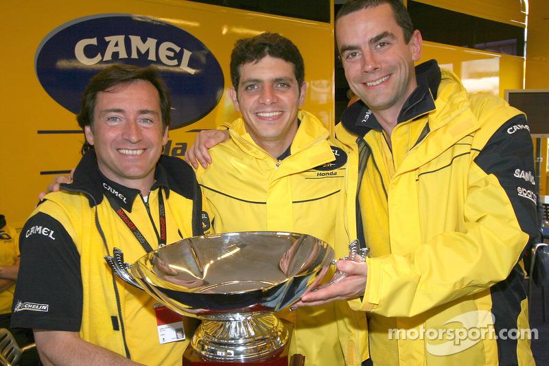 Pemenang balapan, Alex Barros dengan manajer tim, Sito Pons