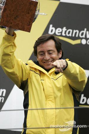 Podium : Sito Pons, team manager Camel Honda
