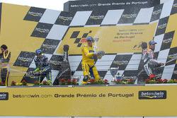 Podium : champagne pour Alex Barros, Valentino Rossi et Max Biaggi