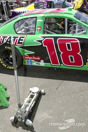 #18 Team Interstate Batteries