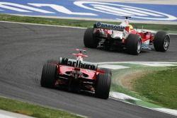 Ralf Schumacher, Toyota TF105; Michael Schumacher, Ferrari F2005