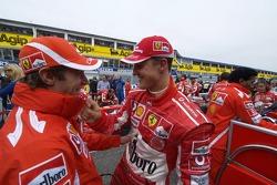Michael Schumacher et Luca Badoer sur la grille