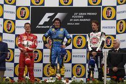Podium : le vainqueur Fernando Alonso, Michael Schumacher et Jenson Button