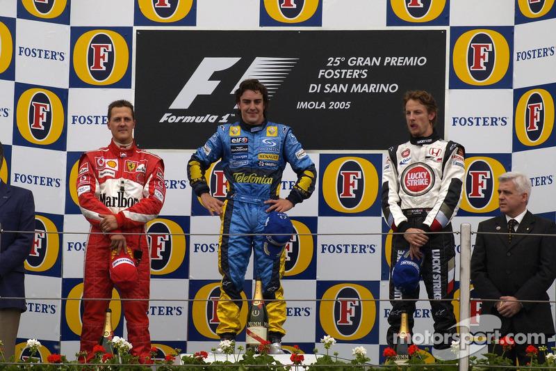 Pódio: vencedor Fernando Alonso com Michael Schumacher e Jenson Button