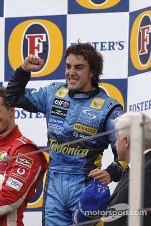 Podium : le vainqueur Fernando Alonso