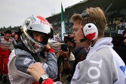 Jarno Trulli avec son ingénieur de course Ossi Oikarinen