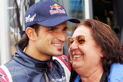 Vitantonio Liuzzi with his mamma