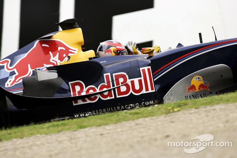 Витантонио Льюцци (2005, 4 Гран При, 1 очко, лучший результат – 8-е место)