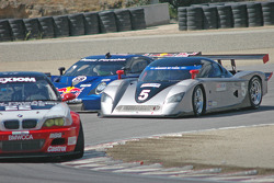 #58 Red Bull/ Brumos Racing Porsche Fabcar: David Donohue, Darren Law, #5 Essex Racing Ford Crawford