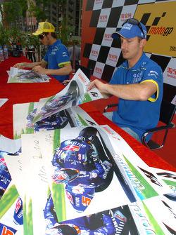 Autograph session: Colin Edwards
