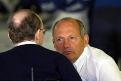 Sir Frank Williams y Ron Dennis